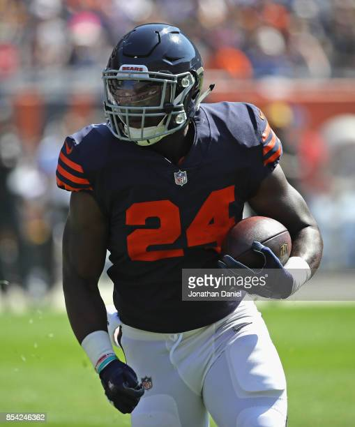 Jordan Howard of the Chicago Bears runs against the Pittsburgh Steelers at Soldier Field on September 24 2017 in Chicago Illinois The Bears defeated...