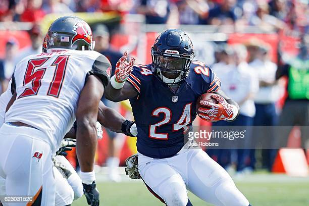 Jordan Howard of the Chicago Bears runs the ball against the Tampa Bay Buccaneers in the first half of the game at Raymond James Stadium on November...