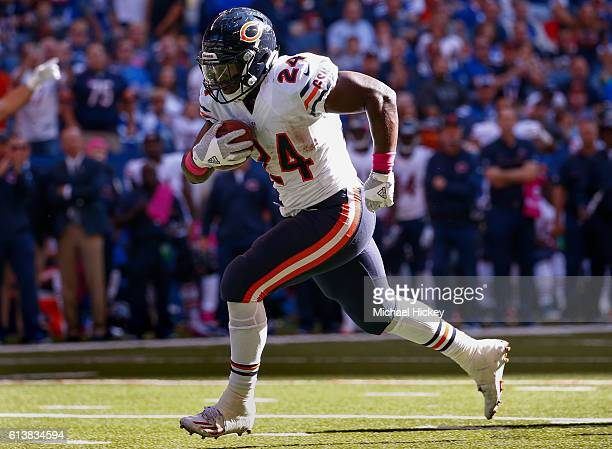 Jordan Howard of the Chicago Bears runs the ball during the game against the Indianapolis Colts at Lucas Oil Stadium on October 9 2016 in...