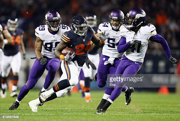 Jordan Howard of the Chicago Bears runs with the ball during the first half against the Minnesota Vikings at Soldier Field on October 31 2016 in...
