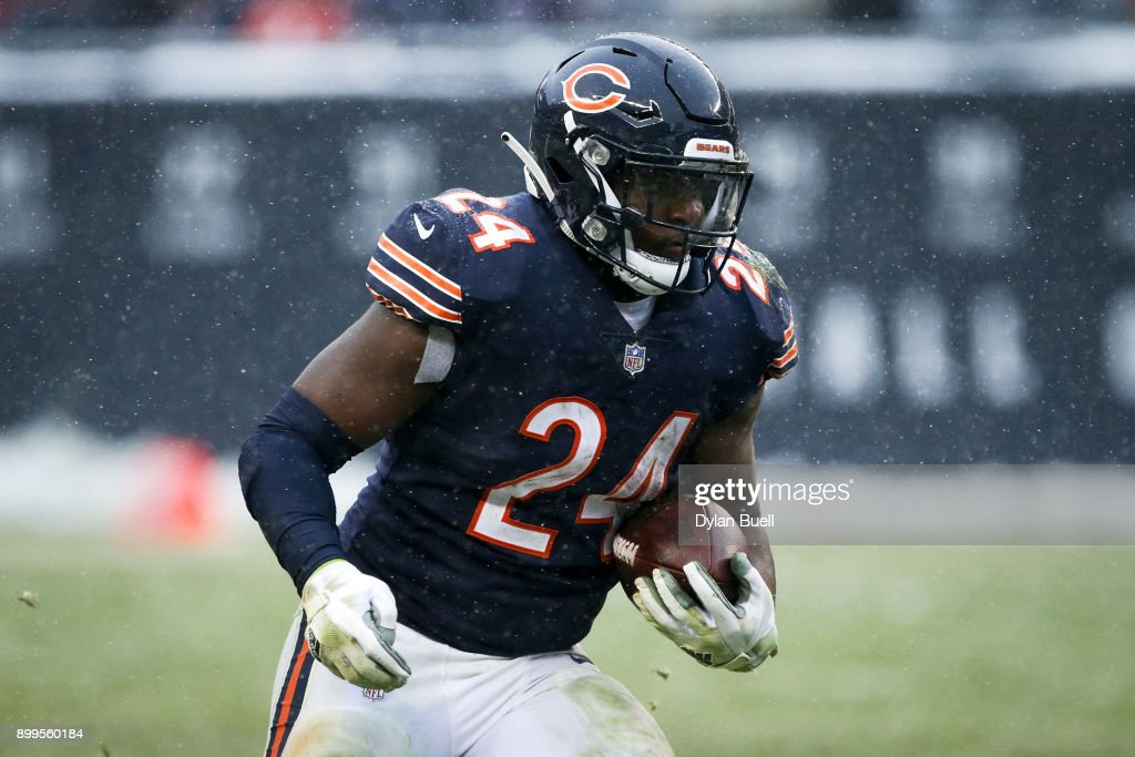 Jordan Howard #24 of the Chicago Bears runs with the ball in the fourth quarter against the Cleveland Browns at Solider Field on December 24, 2017 in Chicago, Illinois. (Photo by Dylan Buell/Getty Images).