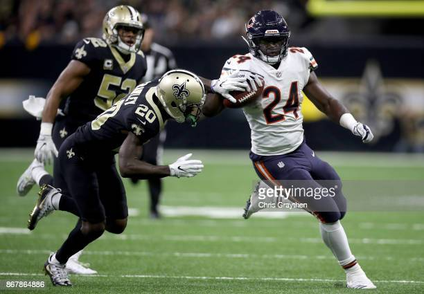 Jordan Howard of the Chicago Bears rushes the ball against the New Orleans Saints during the second quarter at the MercedesBenz Superdome on October...