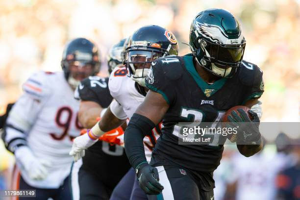 Jordan Howard of the Philadelphia Eagles runs past Eddie Jackson of the Chicago Bears on his way to a touchdown in the third quarter at Lincoln...
