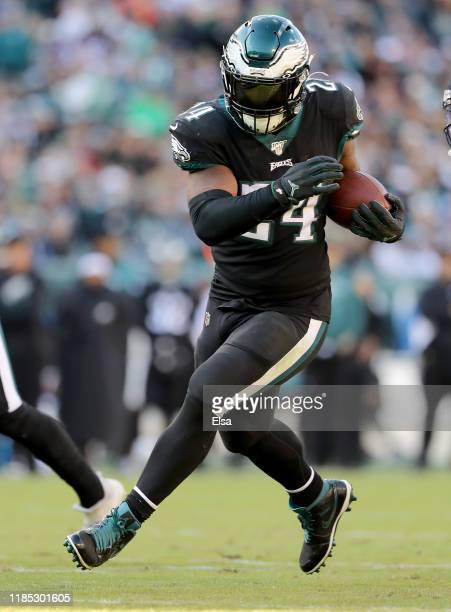 Jordan Howard of the Philadelphia Eagles runs the ball in for a touchdown in the third quarter against the Chicago Bears at Lincoln Financial Field...