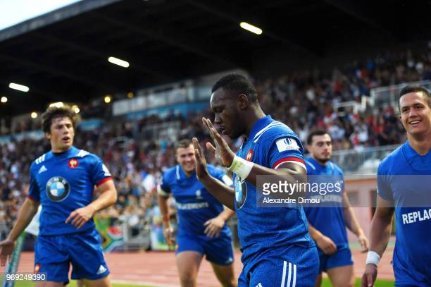 Jordan Joseph of France scores a try during the U20 World Championship match between South Africa and France on June 7, 2018 in Narbonne, France.