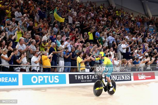 Jordan Kerby of Australia celebrates winning gold in the Men's 4000m Team Pursuit Gold Final during the Cycling on day one of the Gold Coast 2018...