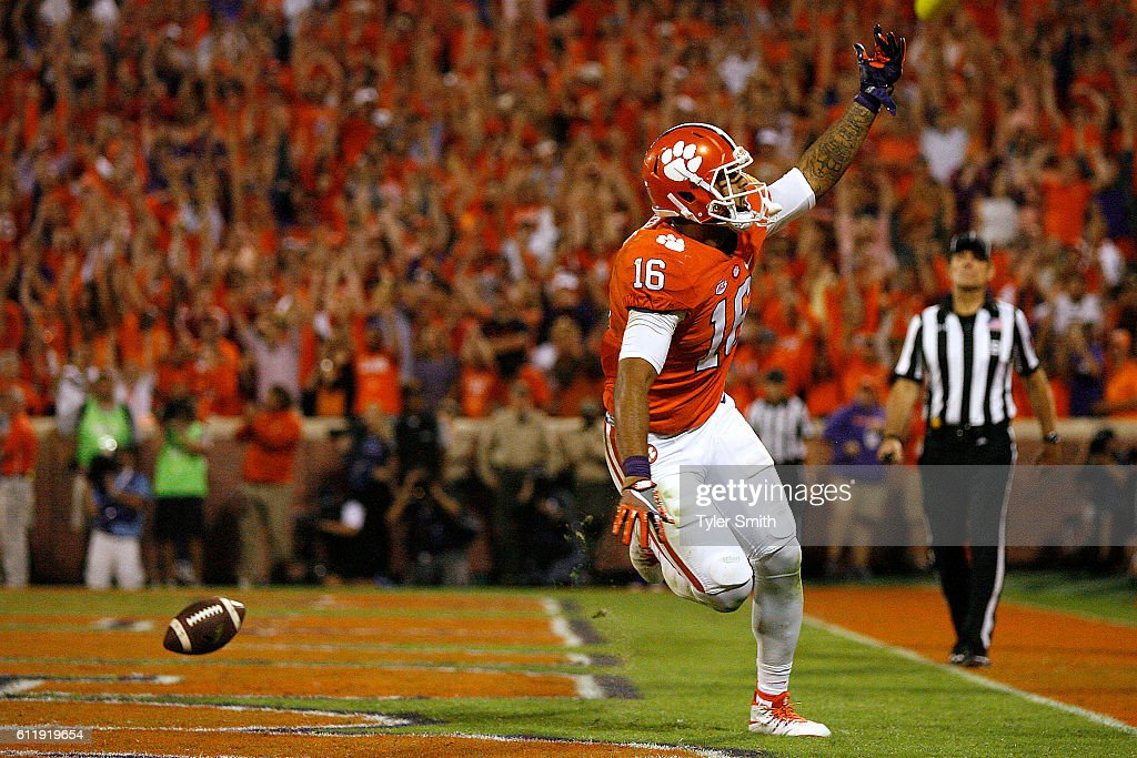 Jordan Leggett #16 of the Clemson Tigers reacts after his fourth quarter go-ahead touchdown against the Louisville Cardinals at Memorial Stadium on October 1, 2016 in Clemson, South Carolina. The Clemson Tigers defeated the Louisville Cardinals 42-36.