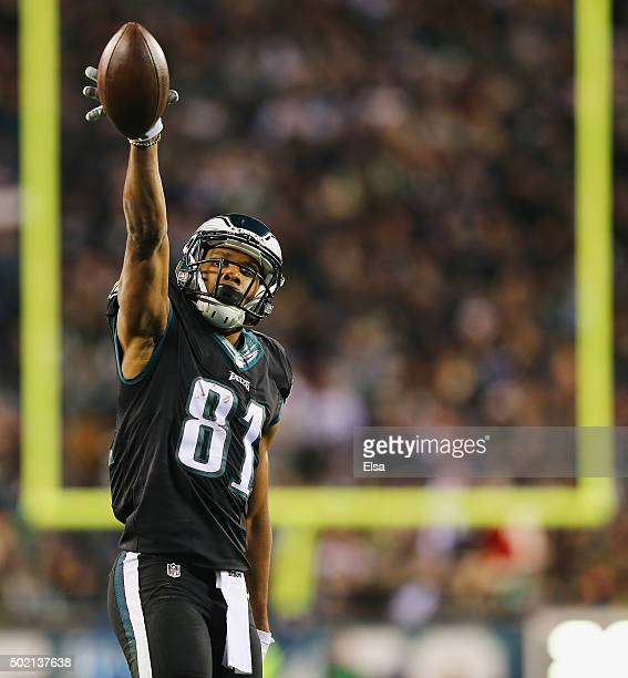 Jordan Matthews of the Philadelphia Eagles celebrates a first-down in the first quarter against the Arizona Cardinals at Lincoln Financial Field on...