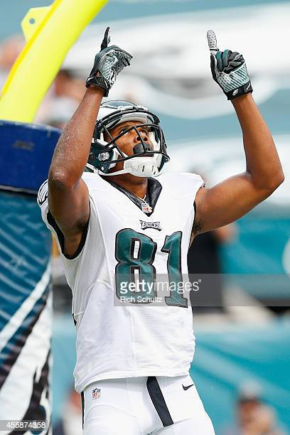 Jordan Matthews of the Philadelphia Eagles celebrates his touchdown late in the second quarter against the Washington Redskins at Lincoln Financial...