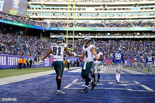 Jordan Matthews of the Philadelphia Eagles celebrates with his teammates after scoring a 3 yard touchdown in the fourth quarter against the New York...