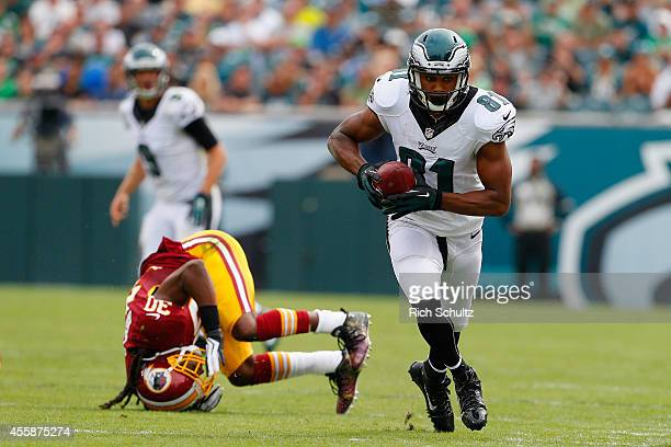 Jordan Matthews of the Philadelphia Eagles scores a touchdown late in the second quarter against the Washington Redskins at Lincoln Financial Field...