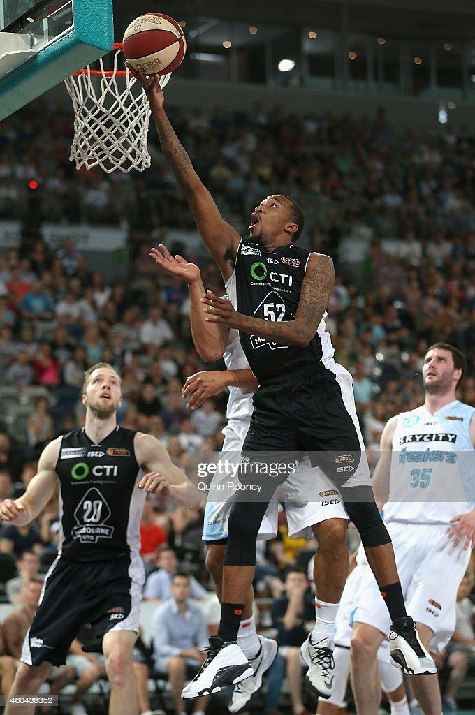 NBL Rd 10 - Melbourne v New Zealand : News Photo