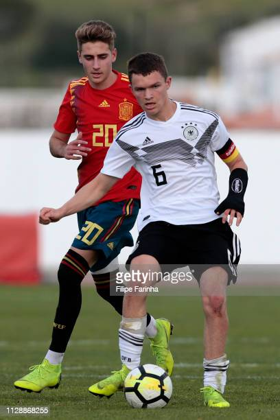 Jordan Meyer of Germany U17 challenges Robert Navarro of Spain U17 during U17Juniors Algarve Cup match between U17 Spain and U17 Germany at Lagos...