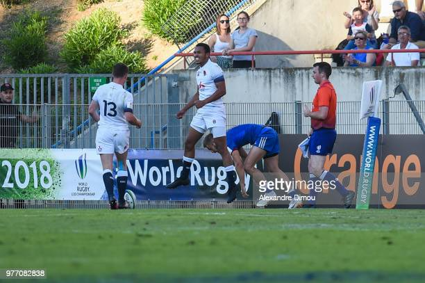 Jordan Olowofela of England celebrates his Try during the Final World Championship U20 match between England and France on June 17 2018 in Beziers...