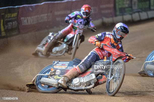 Jordan Palin leads Steve Worrall during the SGB Premiership Grand Final 1st Leg between Belle Vue Aces and Peterborough Panthers at the National...