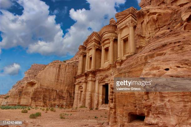 jordan petra  seven modern wonders of the world - jordan stock pictures, royalty-free photos & images