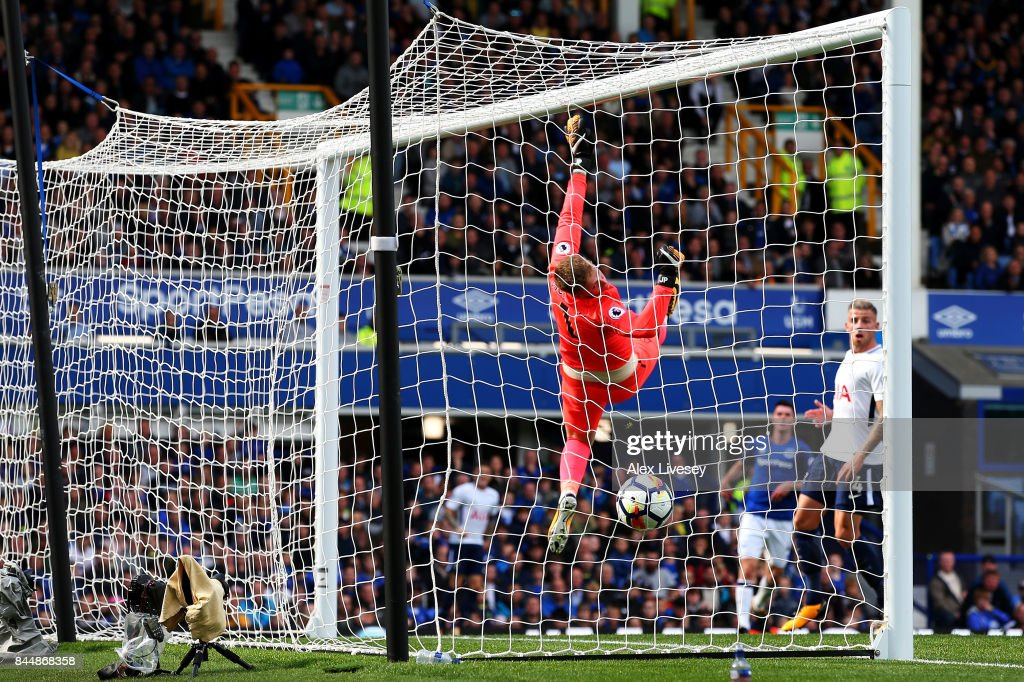 Jordan Pickford of Everton is beaten as Harry Kane of Tottenham Hotspur (not pictured) scores his sides first goal during the Premier League match between Everton and Tottenham Hotspur at Goodison Park on September 9, 2017 in Liverpool, England.