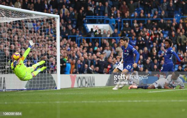 Jordan Pickford of Everton saves from Alvaro Morata of Chelsea during the Premier League match between Chelsea FC and Everton FC at Stamford Bridge...