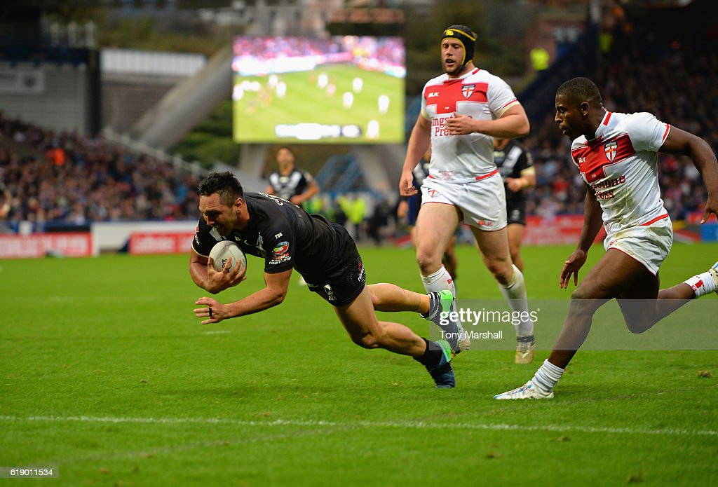 Jordan Rapana of New Zealand Kiwis dives in to score a try during the Four Nations match between the England and New Zealand Kiwis at the John Smith's Stadium on October 29, 2016 in Huddersfield, United Kingdom.