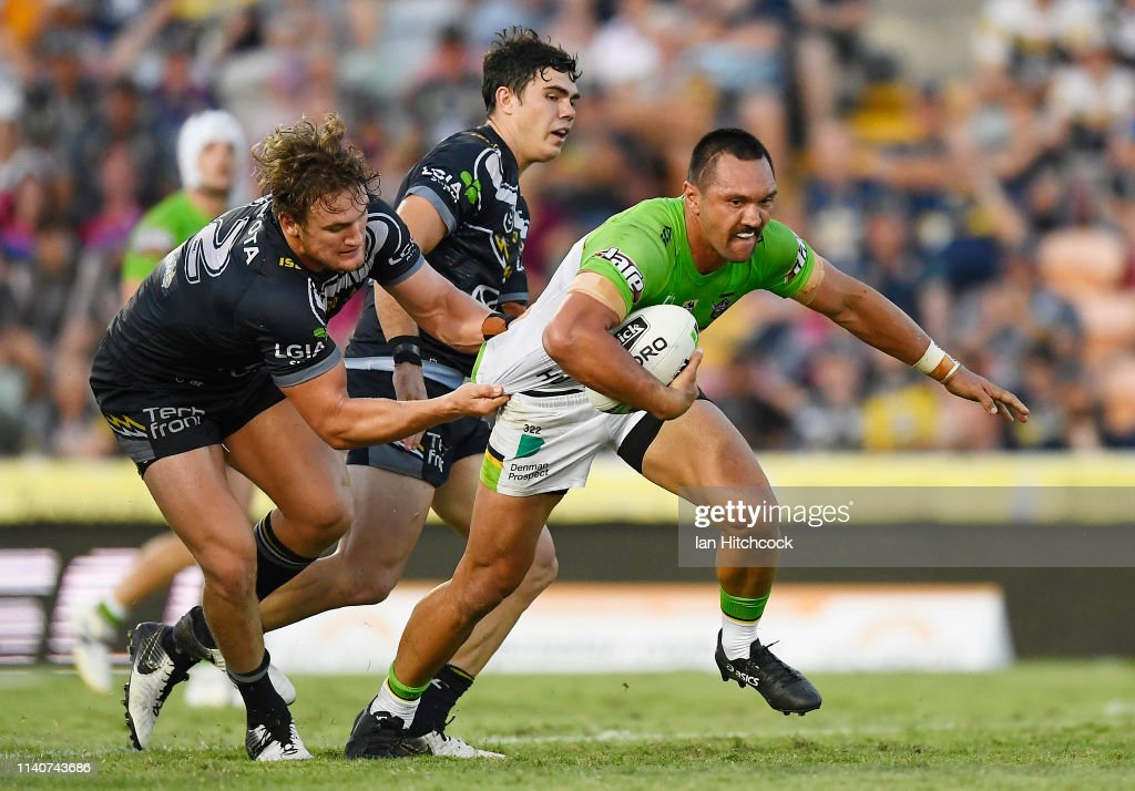 NRL Rd 4 - Cowboys v Raiders : News Photo