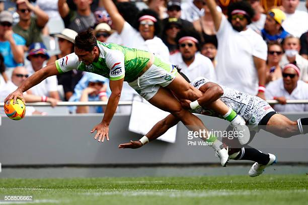 Jordan Rapana of the Raiders scores a try during the 2016 Auckland Nines quarterfinal match between the Warriors and the Raiders at Eden Park on...