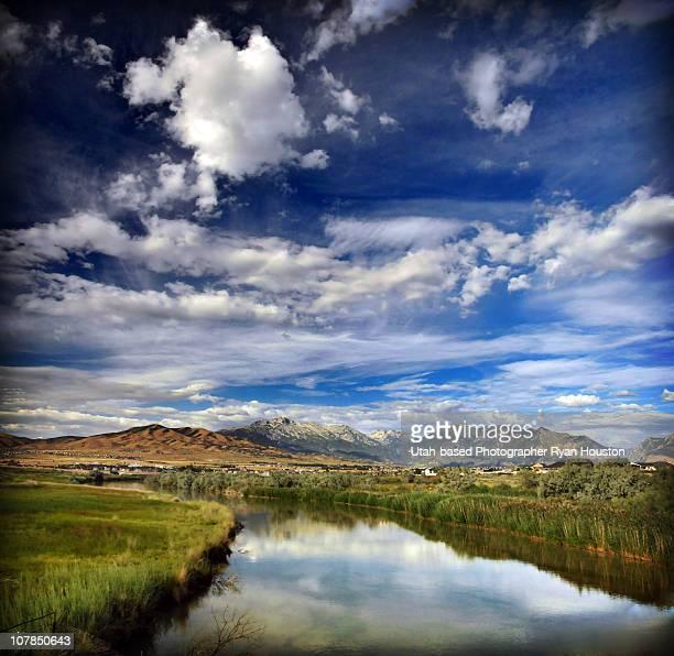 jordan river in lehi utah - lehi foto e immagini stock