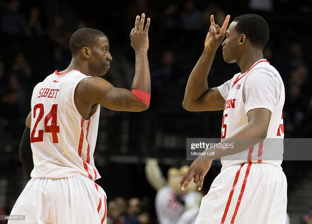 Atlantic 10 Basketball Tournament - Dayton v St. Bonaventure : News Photo