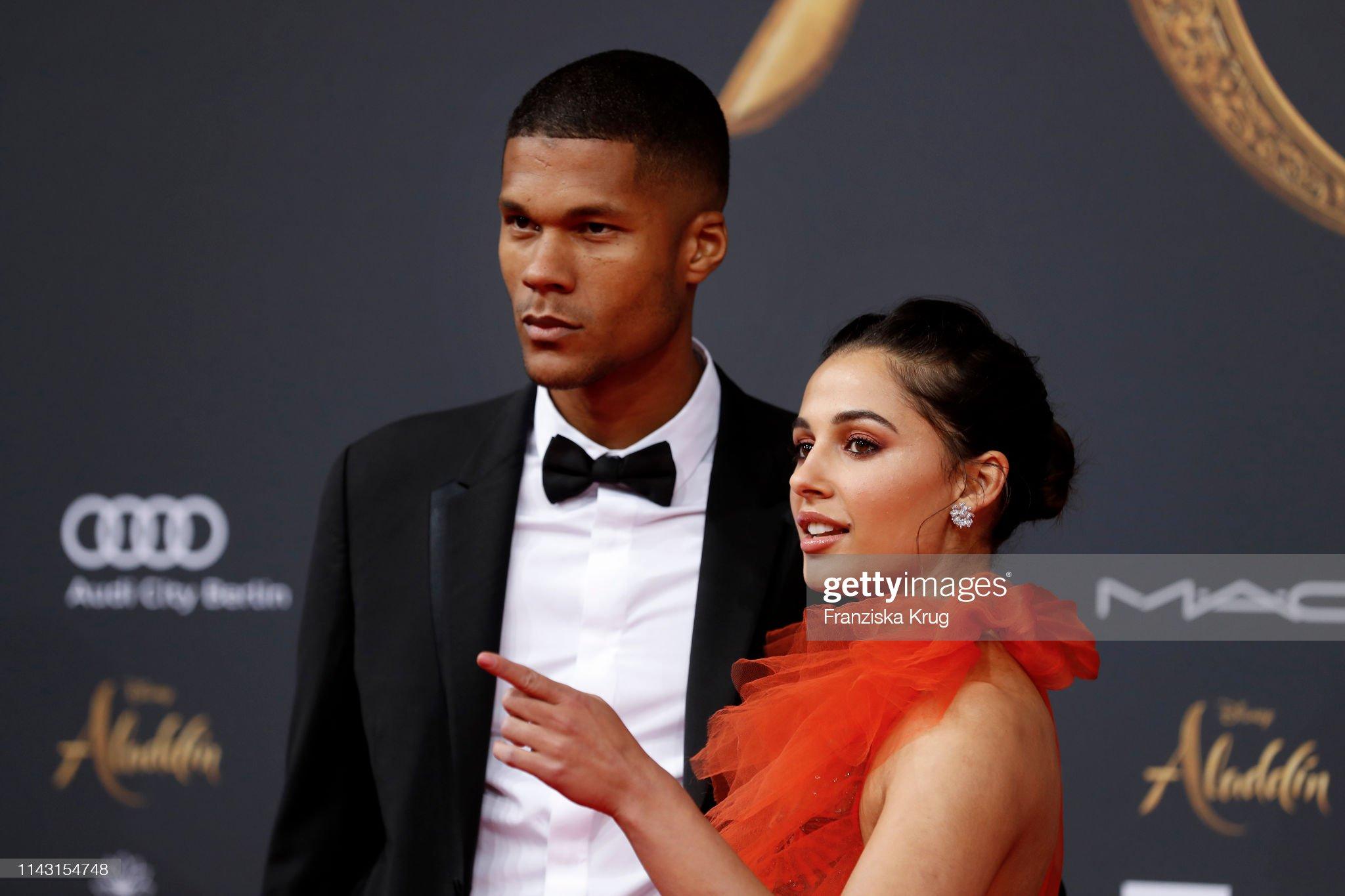 Pemeran Putri Jasmine Di Aladdin Ternyata Istri Pesepak