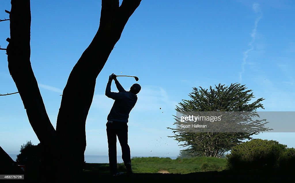 Jordan Spieth hits a tee shot on the fifth hole during the first round of the AT&T Pebble Beach National Pro-Am at Monterey Peninsula Country Club on February 12, 2015 in Pebble Beach, California.