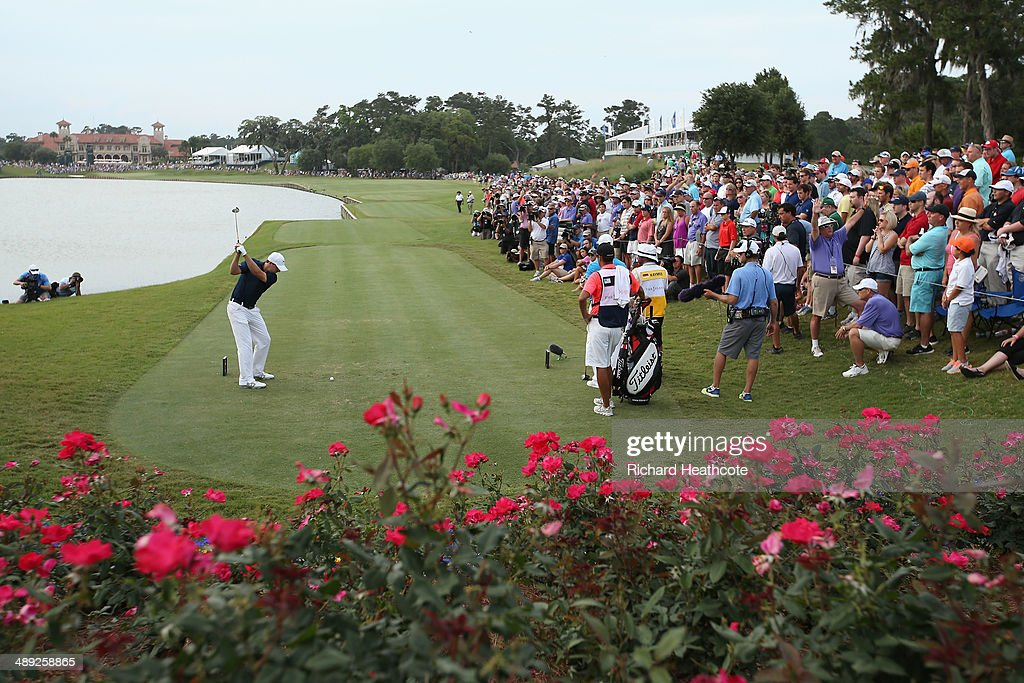 Jordan Spieth of the United States hits his tee shot on the 18th hole during the third round of THE PLAYERS Championship on the stadium course at TPC Sawgrass on May 10, 2014 in Ponte Vedra Beach, Florida.