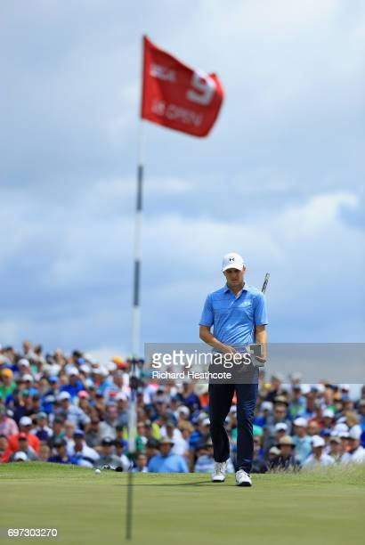 Jordan Spieth of the United States prepares to putt on the ninth green during the final round of the 2017 U.S. Open at Erin Hills on June 18, 2017 in...