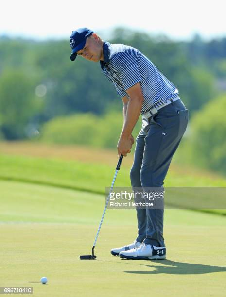 Jordan Spieth of the United States putts on the eighth green during the second round of the 2017 US Open at Erin Hills on June 16 2017 in Hartford...