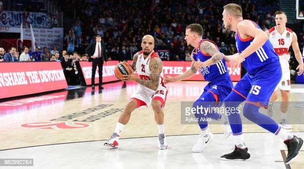 Jordan Theodore #25 of AX Armani Exchange Olimpia Milan in action during the 2017/2018 Turkish Airlines EuroLeague Regular Season game between...