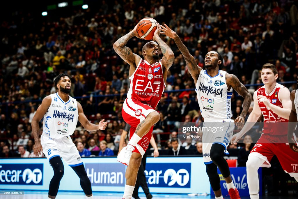 During Basketball Of Jordan A Poste Layup Game Theodore Shoots 13JclFKT