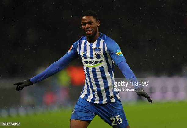 Jordan Torunarigha of Hertha BSC celebrates after scoring his team's third goal during the Bundesliga match between Hertha BSC and Hannover 96 at...