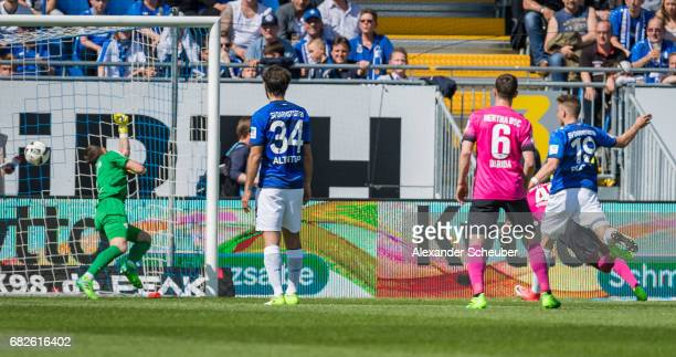 Jordan Torunarigha of Hertha BSC scores the second goal for his team during the Bundesliga match between SV Darmstadt 98 and Hertha BSC at Stadion am...