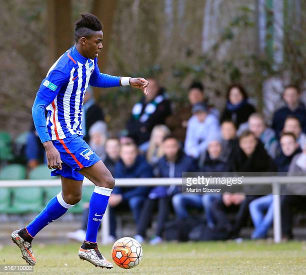 Jordan Torunarigha of Hertha plays the ball during the match DFB Juniors Cup between Werder Bremen and Hertha BSC at Weserstadion Platz 11 on March...