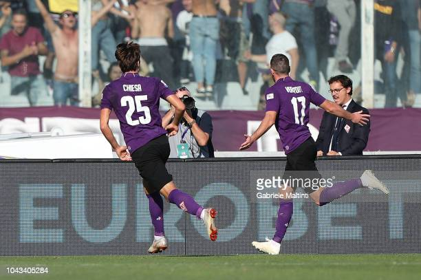 Jordan Veretout of ACF Fiorentina celebrates after scoring a goal during the Serie A match between ACF Fiorentina and Atalanta BC at Stadio Artemio...