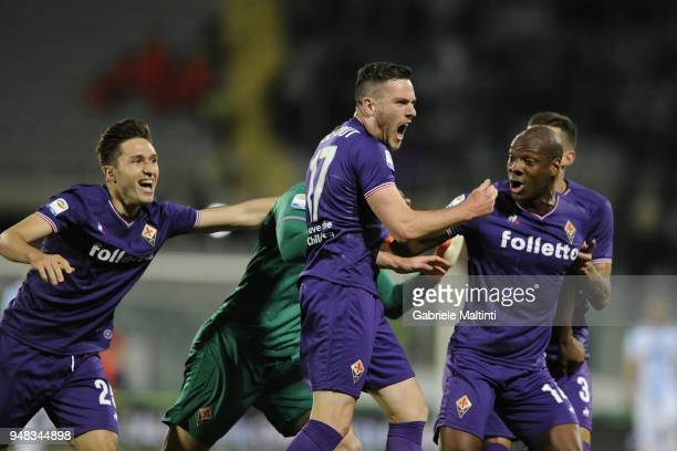 Jordan Veretout of ACF Fiorentina celebrates after scoring the first goal during the serie A match between ACF Fiorentina and SS Lazio at Stadio...