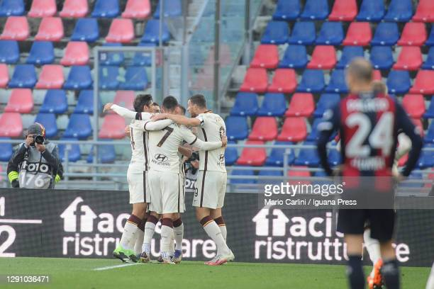 Jordan Veretout of AS Roma celebrates after scoring his team's fourth goal during the Serie A match between Bologna FC and AS Roma at Stadio Renato...