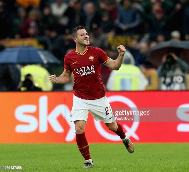 Jordan Veretout of AS Roma celebrates after scoring the team's second goal from penalty spot during the Serie A match between AS Roma and SSC Napoli...