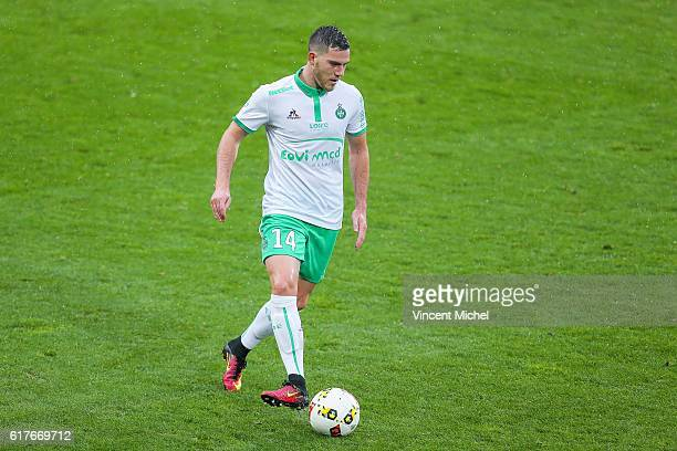 Jordan Veretout of Saint-Etienne during the Ligue 1 match between SM Caen and AS Saint-Etienne at Stade Michel D'Ornano on October 23, 2016 in Caen,...