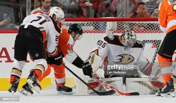 Jordan Weal of the Philadelphia Flyers attempts a scoring chance against Chris Wagner and John Gibson of the Anaheim Ducks on October 24 2017 at the...
