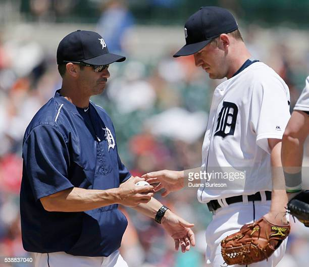 Jordan Zimmermann of the Detroit Tigers is pulled by manager Brad Ausmus of the Detroit Tigers during the fifth inning of a game against the Toronto...