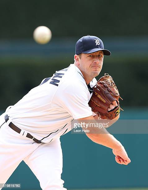 Jordan Zimmermann of the Detroit Tigers warms up prior to the start of the Opening Day Game against the New York Yankees on April 8 2016 at Comerica...