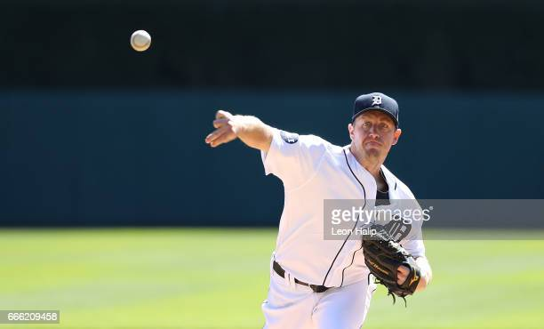 Jordan Zimmermann of the Detroit Tigers warms up prior to the start of the game against the Boston Red Sox on April 8 2017 at Comerica Park in...