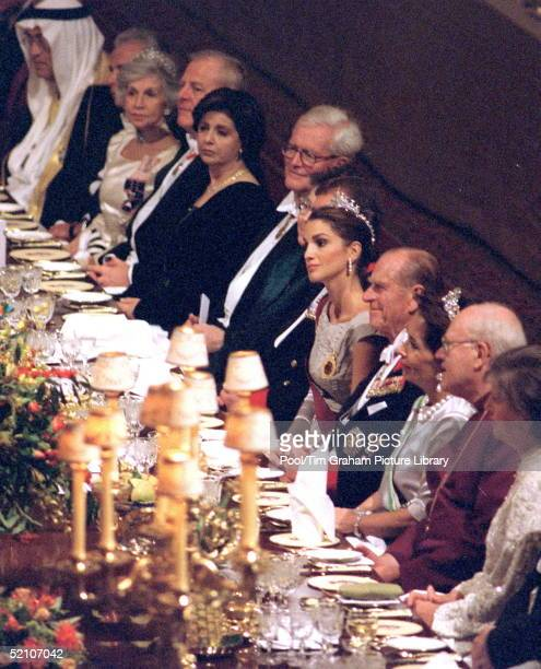 Jordanian State Visit Banquet At Windsor Castle Queen Rania Of The Hashemite Kingdom Of Jordan With Prince Philip Exforeign Secretary Douglas Hurd...