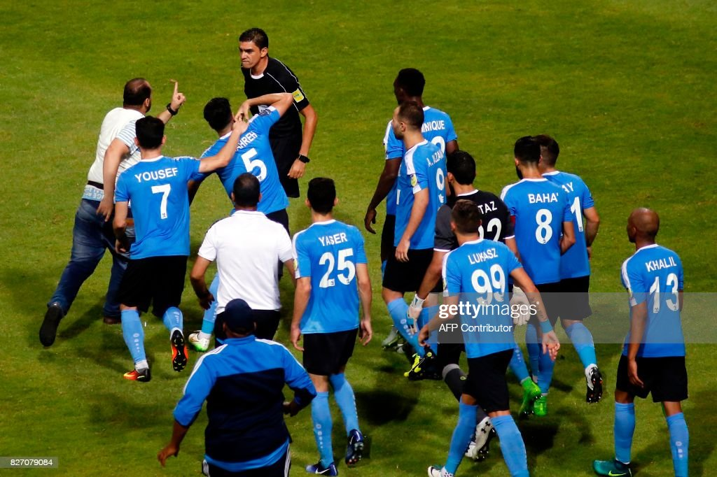 FBL-ARAB-CLUB-ESPERANCE-AL-FAISALY : News Photo