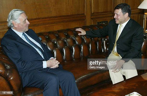Jordan's King Abdullah II receives former Iraqi foreign minister Adnan Pachachi at his palace May 4 2003 in Amman Jordan US State Department...