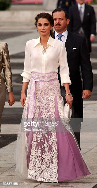 Jordan's Queen Rania arrives to attend the wedding between Spanish Crown Prince Felipe de Bourbon and former journalist Letizia Ortiz at the Almudena...